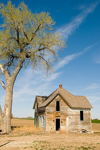 Abandoned Farm House by Elemental Imaging, via Flickr