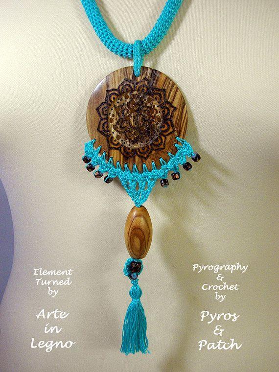 Nappa e legno pirografia di collana mandala di PyrosePatch su Etsy