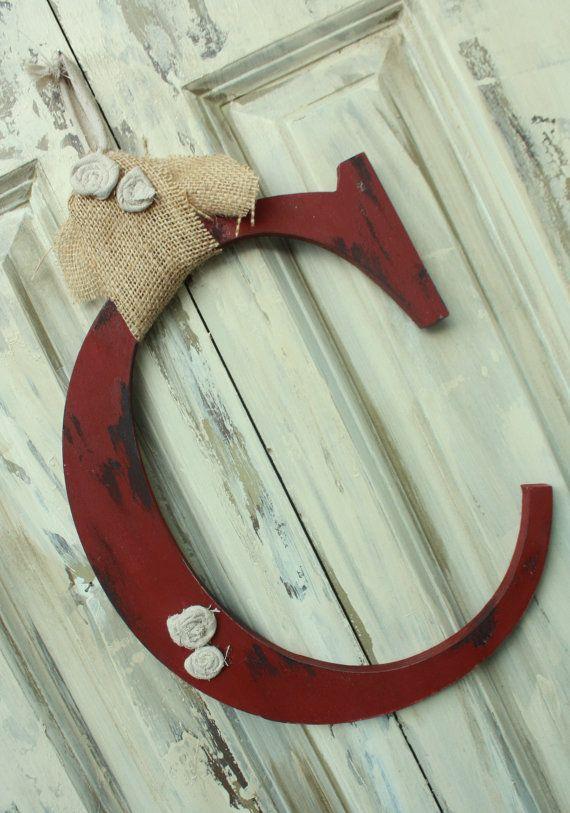 Monogramma iniziale Shabby stile chic porta, che si sceglie il colore e la lettera on Etsy, 28,16€