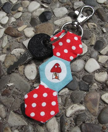 Hexagon Key Fob tutorial by Tacha Bruecher, author of Hexa Go-Go | Sew Mama Sew |