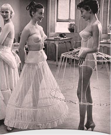 1952 Life Magazine - Crinoline Petticoats - I wonder if we could make something like this for our dresses? jαɢlαdy