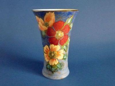 Large Royal Doulton 'Wild Rose' Series 8124 Vase D6227 c1948