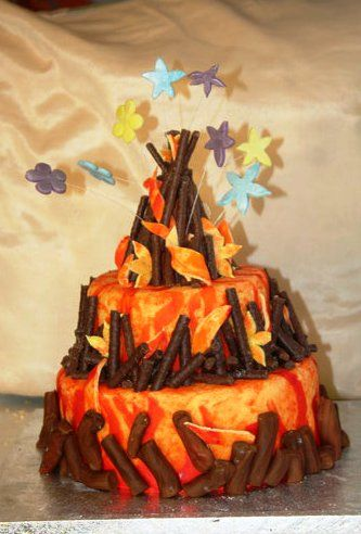 BONFIRE CAKE - For all your cake decorating supplies, please visit craftcompany.co.uk