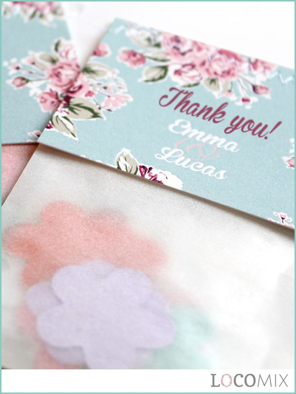 Flowerbags make the perfect wedding favour gift for your guests. The small sachets are filled with flower seed confetti. Eventually, Wild Flowers will grow from the confetti! The top card of these wedding favours can be personalised online!