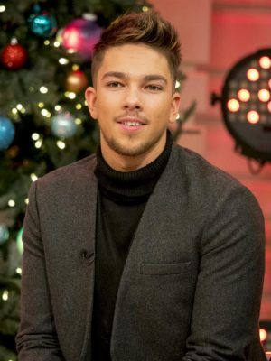 awesome Why is everyone talking about The X Factor's Matt Terry 'kissing' Freddie Parker?!
