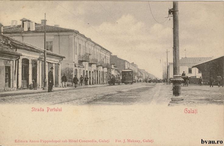 """Strada Portului, Galati, Romania, anul 1900, fotograf J. Maksay.  Imagine din colecţiile Bibliotecii Judeţene """"V.A. Urechia"""" Galaţi."""