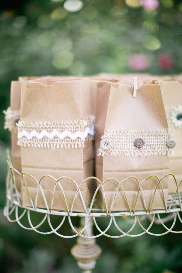 Wedding Gift Bag Goodies : 17 Best images about Wedding Goody Bag Ideas on Pinterest Goody bags ...
