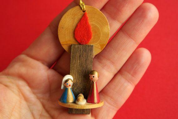 Vintage deutsche Weihnachtsbaum Ornament, original Erzgebirge Holzfiguren, handgefertigte Weihnachtskrippe mit Kerze Retro-Weihnachtsdekoration