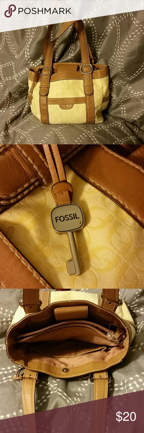 Fossil Purse Small fossil purse, good used condition. Needs to be cleaned but in good condition. Fossil Bags Satchels