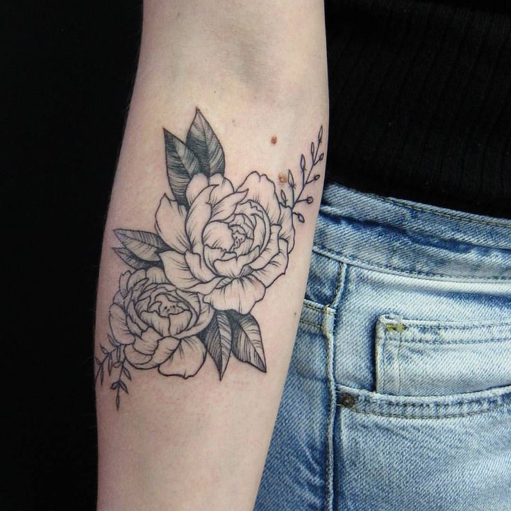 """324 Likes, 5 Comments - E.K.  (@ek.tattoos) on Instagram: """"cover-up peonies on Olivia. loved working on this, thank you! . #teamgoldeniron #torontotattoo…"""""""