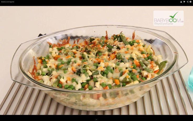 Budincă de legume.  Reţeta o puteţi găsi aici în format text dar şi video: http://www.babyboom.ro/budinca-de-legume/
