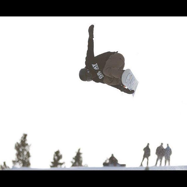 #colorado #ski #skiing #snowboarding #snowboard #railpark #snow #powder #powderwhore #terrainpark #breckenridge #coloradotography #halfpipe #ride905