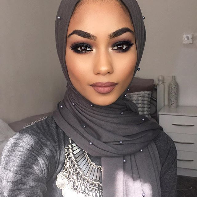Filmed a black smokey eye today, it should be up on my YouTube channel soon Pearl jersey hijab from @hijabjunkie
