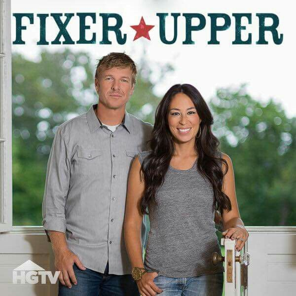 17 best images about fixer upper on pinterest hgtv shows fixer upper hosts and fixer upper. Black Bedroom Furniture Sets. Home Design Ideas