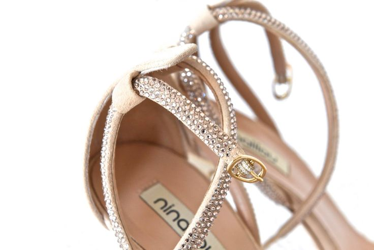 Wedding shoes Photo, Contact Photography