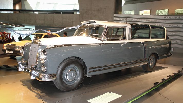 1960 Mercedes-Benz 300 Messwagen Maintenance/restoration of old/vintage vehicles: the material for new cogs/casters/gears/pads could be cast polyamide which I (Cast polyamide) can produce. My contact: tatjana.alic@windowslive.com