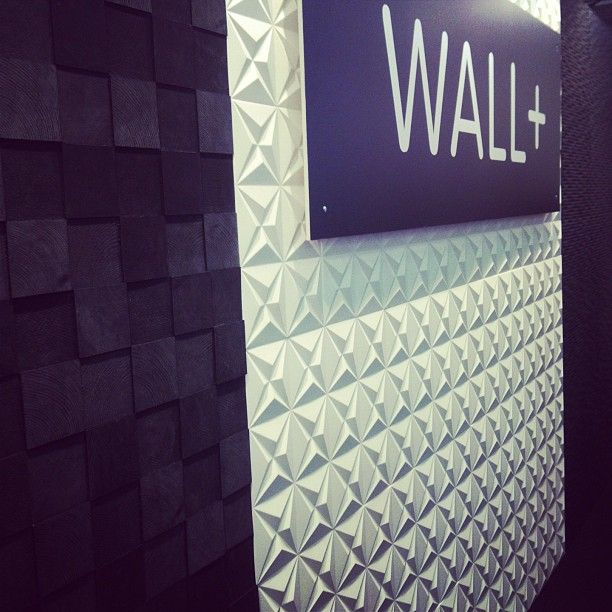Loistava WALL+ sisustuslaatta seiniin ja välitiloihin. #välitila #wall+ #laatta #keittiö #kuitukomposiitti #keittiönvälitila