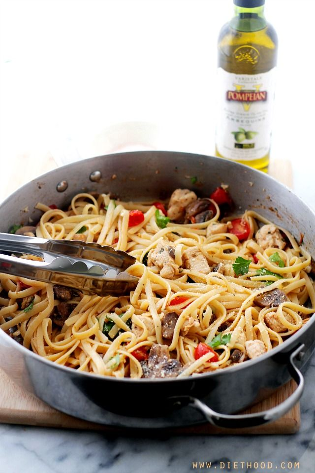 Lemon Chicken Fettuccine   www.diethood.com   One-pan Lemon Chicken Fettuccine is a fresh and easy take on dinner, tossed with tomatoes, mushrooms, lemon juice and olive oil.   #chicken #pasta #recipe