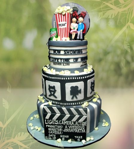 Can we just admire the straight-up TALLENT it takes to put this detail into a cake? Please? Movie themed wedding cake from Hearts and Bells! OMG