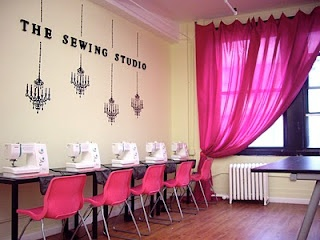 sewing spaceSewing Room, Better Sewing, Studios Spaces, Sewing Studios, Pink Colors, Sewing Spaces, New York, Blog, Crafts