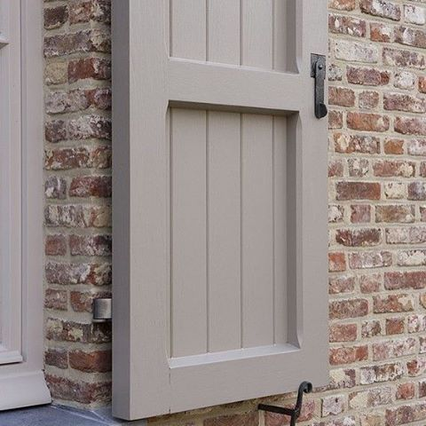 I've been thinking about doing a lime wash on our exterior bricks to tone down the orangish color of them... #pinterest #exteriorinspiration #tinyprojects