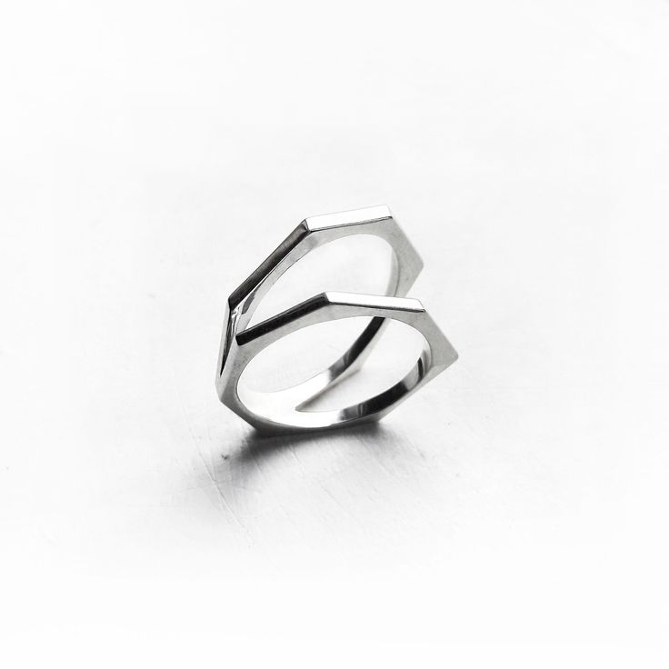 Двойное кольцо с гранями