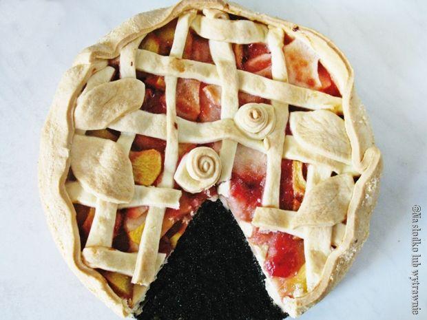 Na słodko lub wytrawnie: Tarta z dżemem wiśniowym i jabłkami