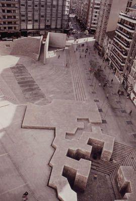 Eduardo Chillida 1980 Plaza de los Fueros, VITORIA