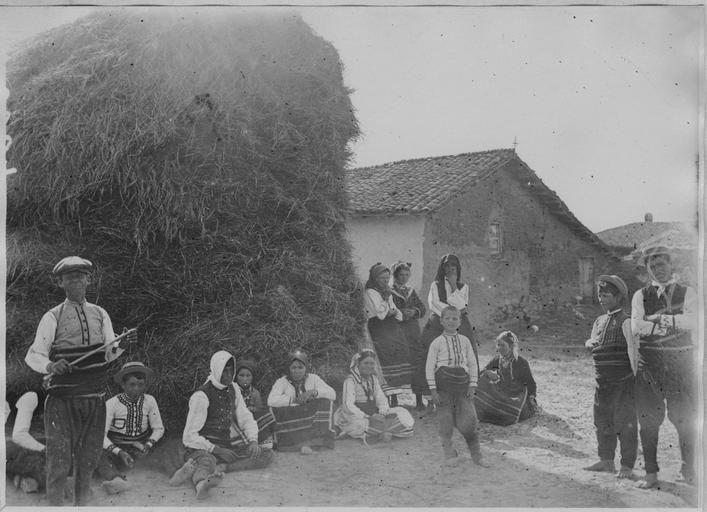 Opérateur K (code armée, photographe) Grèce ; Macédoine centrale ; Kilkis ; Armutci (anciennement) ; Megali Vrysi (actuellement). Combats dans le secteur de Gavalanci (mai - août 1916). Groupe de Macédoniens