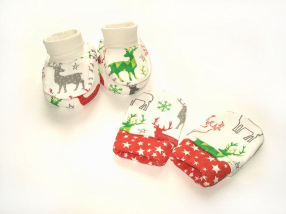 READY TO SHIP Organic cotton Clothing Set 0-3 months : Booties + Mittens Clothing Baby Shower Gift