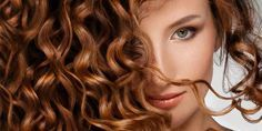 Απίθανα κόλπα για κορίτσια με σγουρά μαλλιά