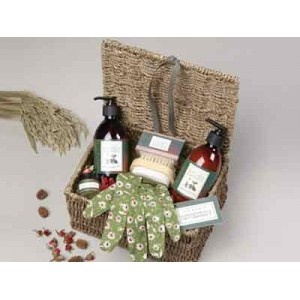 Kitchen Garden   Gardeners Gift Basket Www.countrycognac.co.uk