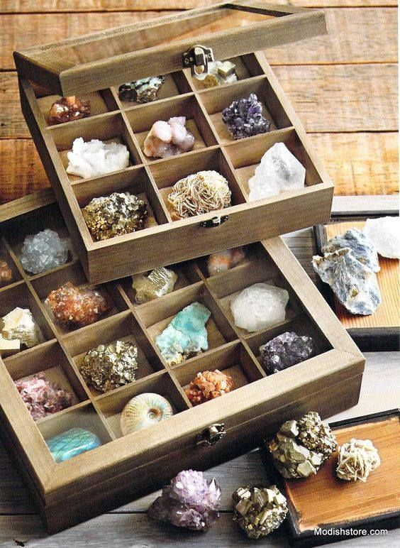 Here's a great way to store your Crystal Treasures nicely while keeping them safe! ♥  How do you like storing yours?   Photo: Modishstore