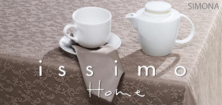 Masa örtülerinin; misafirlerin gözlerine ve zevklerine hitap etmelerinin yanı sıra, masaları korumaları ve   emicilik özellikleri gibi kullanım yararları vardır.     Simona masa örtüsü pamuklu dokusuyla masanıza gereken özeni gösterirken, şık tasarımıyla da hazırladığınız ikramların daha güzel görünmesini sağlayacak. :)