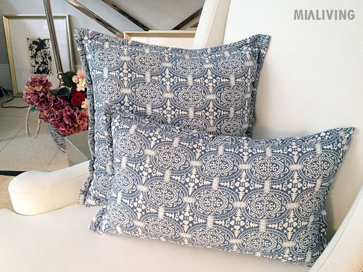 Mialiving moroccan pattern pillows #MIALIVING #pillows #moroccan #pattern #linen #blue  Photo was taken in @华华 GREY New York Style Interiors Warsaw