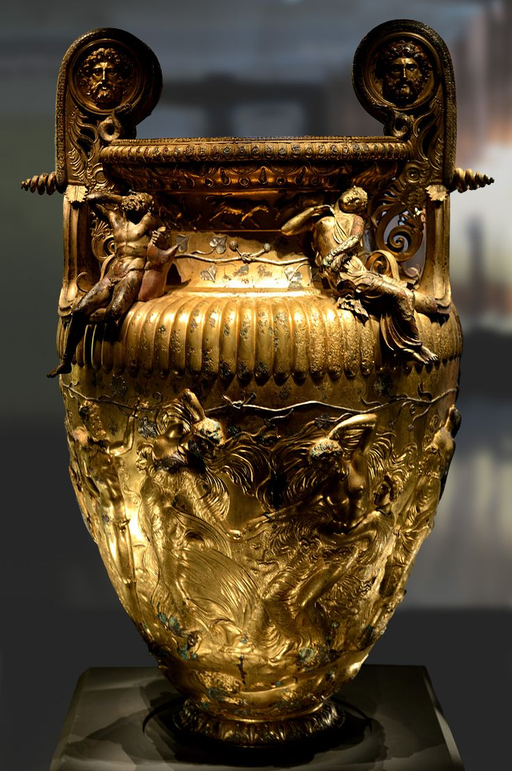 The Derveni krater. Bronze. 330—320 BCE. Inv. No. B1. Thessaloniki, Archaeological Museum. (Photo by I. Sh.).