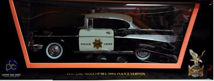 1957 Chevy Bel Air Diecast Car 1:18 Road Signature 10 inch Police Chief #RoadSignature #Chevrolet