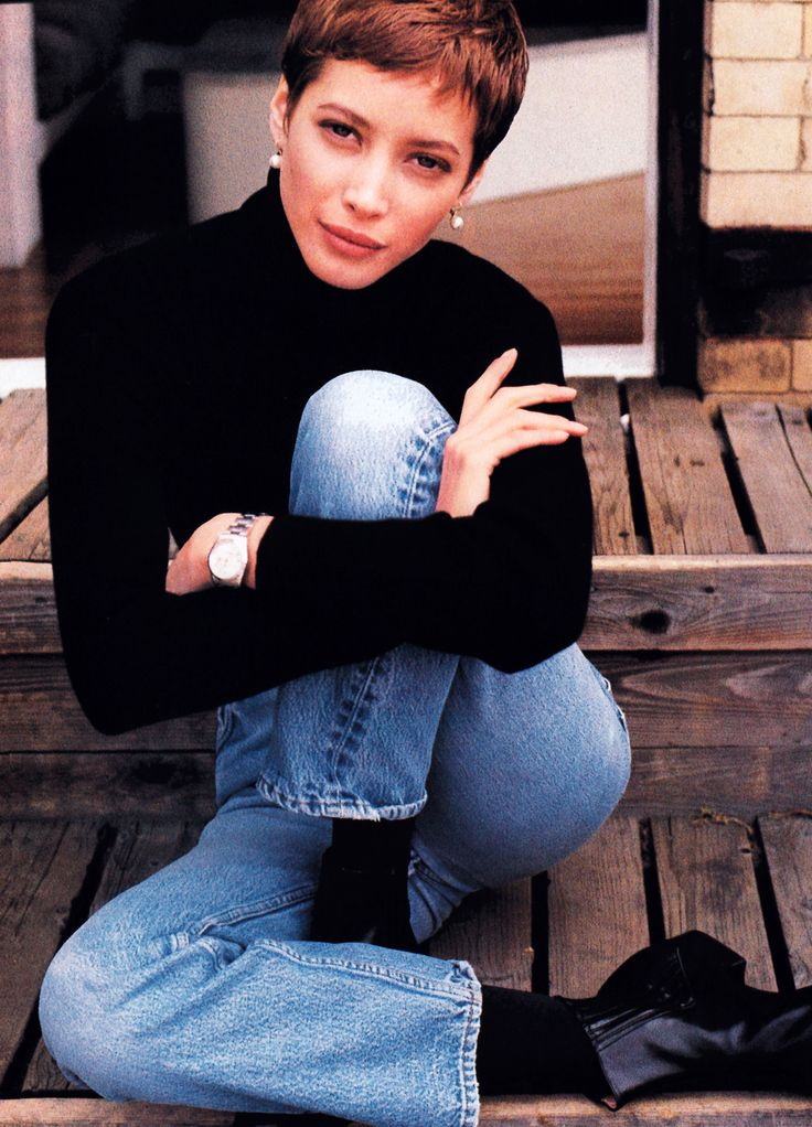 Christy Turlington photographed by Pamela Hanson for Elle magazine, August 1990. Sweater by Belford Cashmere.