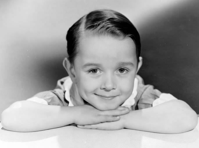 Billy Lee - Actor. Born William Schlensker, Lee's career on stage began at age two, appearing in and around Hollywood as a tap dancer. Lee appeared in some 39 movies from 1934 until 1943. Cremated, Ashes given to family or friend.
