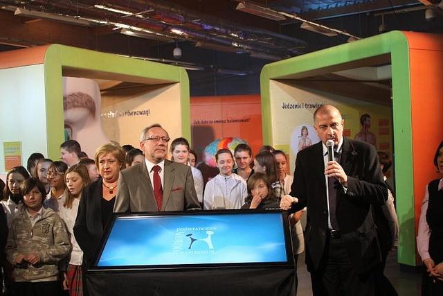 Prezydent Wrocławia Rafał Dutkiewicz i szef EIT+ prof. Mirosław Miller na otwarciu Humanitarium.