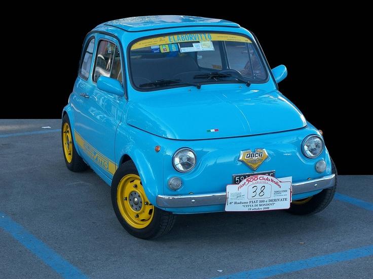 Fiat 500 blue vintage.