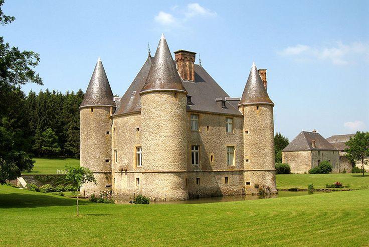 Château de Landreville. Bayonville 08240. Champagne (Ardennes).