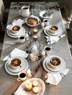 I love the table setting, I love the decor accents, I love the food.. I love it all.