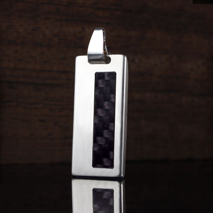 ZaNa Silver Carbon II is a unique, exclusive gadgets that combine modern technology with a unique USB memory design. Ultra-modern electronics capacity from 4GB to 64GB is enclosed in a casing made of  the finest silver 925 and carbon fiber!.