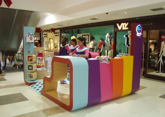 Como Montar Um Quiosque No Shopping Passos Importantes Diseño De Stands Isla Comercial Diseño De Espacios