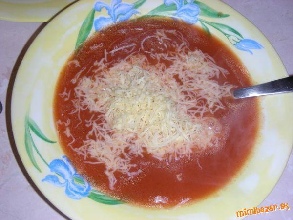 Jednoduchá paradajková polievka.