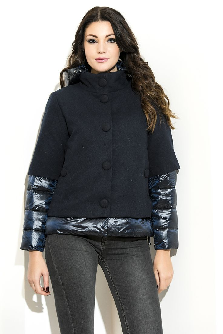 #CHIARADALBA #FallWinter #Collection #Fashion #Lookbook  #Luxury #Jeans #UltraLightDownJacket  #moda #piumini #blu #nero #doubleface #2017 #madeinitaly #tagliecomode #inverno2017