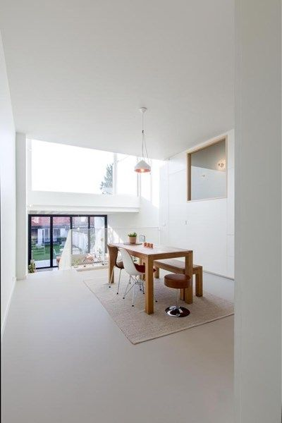 BINNENKIJKEN. Licht, lucht en ruimte in Antwerpen - De Standaard: http://www.standaard.be/cnt/dmf20160204_02109457