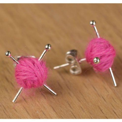 Adorable #yarn ball earrings.