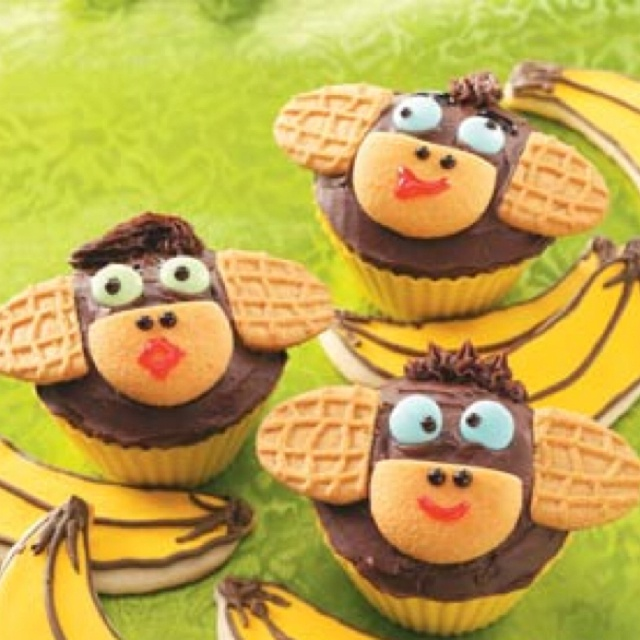 monkey cupcakes with nutterbutter ears nilla wafer mouth